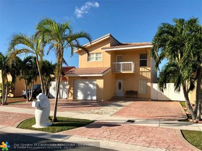 Miami Single Family Home For Sale: 13421 SW 26th Ter