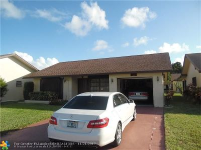 Deerfield Beach Single Family Home For Sale: 2080 SW 17th Cir