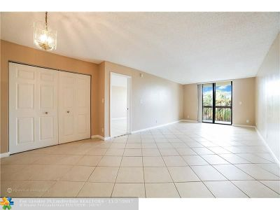 Deerfield Beach Condo/Townhouse For Sale: 737 SE 1st Wy #309