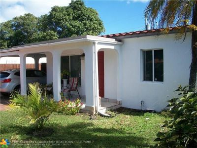 Oakland Park Single Family Home For Sale: 5440 N Andrews Ave
