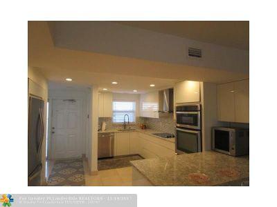 Boca Raton Condo/Townhouse For Sale: 1001 E Camino Real #504N