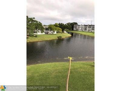 Deerfield Beach Condo/Townhouse For Sale: 3060 Newport N #3060