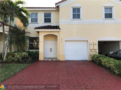 Miramar Condo/Townhouse For Sale: 3876 W 171st Ave #3876