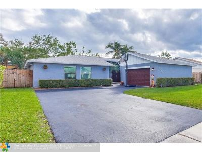 Deerfield Beach Single Family Home For Sale: 3884 NW 1st Pl