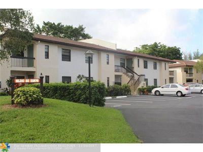 Boca Raton Condo/Townhouse For Sale: 21876 Cypress Cir #32E