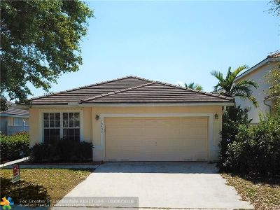 Pembroke Pines Single Family Home For Sale: 16452 NW 19th St