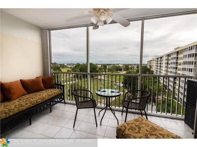 Pompano Beach Condo/Townhouse For Sale: 3200 N Palm Aire Dr #701