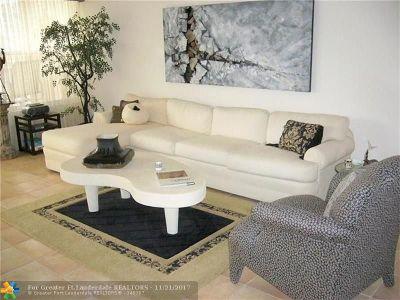 Tamarac Condo/Townhouse For Sale: 7630 Granville #204E
