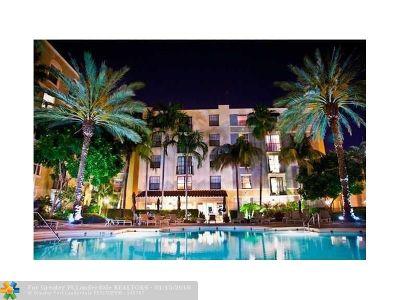 West Palm Beach Condo/Townhouse For Sale: 630 S Sapodilla Ave #211