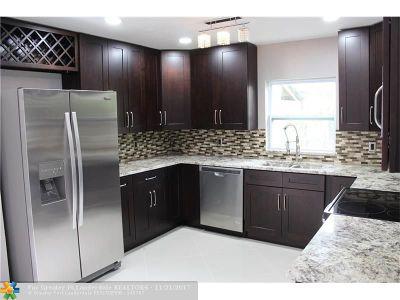 Oakland Park Single Family Home For Sale: 5625 NE 6th Ave
