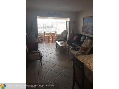 Lauderdale Lakes Condo/Townhouse For Sale: 2951 NW 46th Ave #406