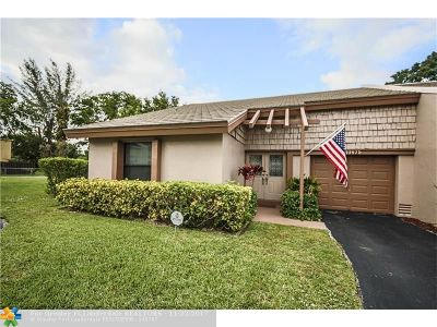 Coral Springs Condo/Townhouse For Sale: 10675 La Placida Dr #10675