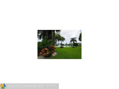 Coconut Creek Condo/Townhouse For Sale: 1903 Bermuda Cir #A2
