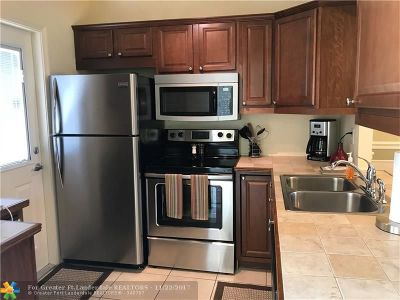 Lauderdale Lakes Condo/Townhouse For Sale: 5103 NW 35th St #412