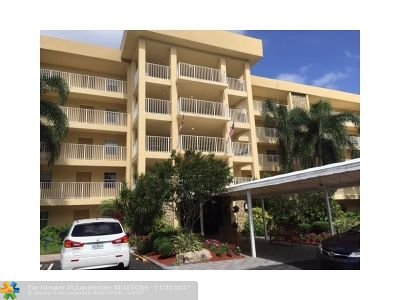 Pompano Beach Condo/Townhouse For Sale: 804 Cypress Grove Ln #305