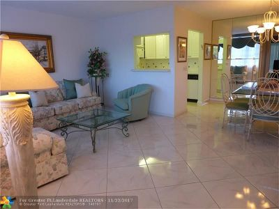 Deerfield Beach Condo/Townhouse For Sale: 3006 Berkshire A #3006