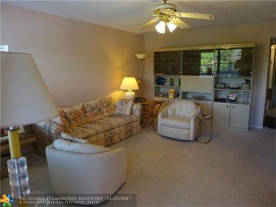 Broward County , Palm Beach County Condo/Townhouse For Sale: 3007 Upminster J #3007