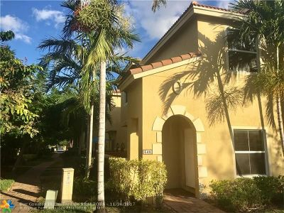 Boynton Beach Condo/Townhouse For Sale: 348 Lake Monterey Cir #348