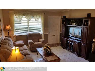 Broward County , Palm Beach County Condo/Townhouse For Sale: 2215 Jackson St #9