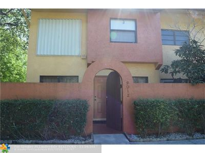 Sunrise Condo/Townhouse For Sale: 9012 NW 45th Ct #4