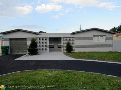 Miramar Single Family Home For Sale: 7849 Embassy Blvd