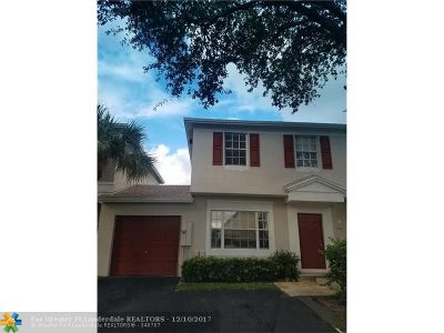 Broward County Condo/Townhouse For Sale: 9721 Santa Rosa Dr #454