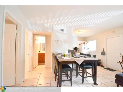 Wilton Manors Condo/Townhouse For Sale: 2741 NE 8th Ave #6
