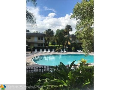 Oakland Park Condo/Townhouse For Sale: 5162 NE 6th Ave #321