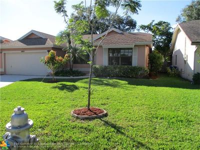 Coral Springs Single Family Home For Sale: 2464 NW 95 Way