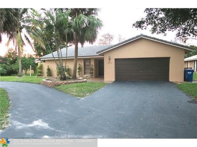 Coral Springs Single Family Home For Sale: 8411 NW 2nd St