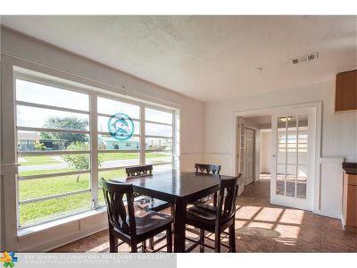 Lantana Single Family Home For Sale: 1441 W Jennings