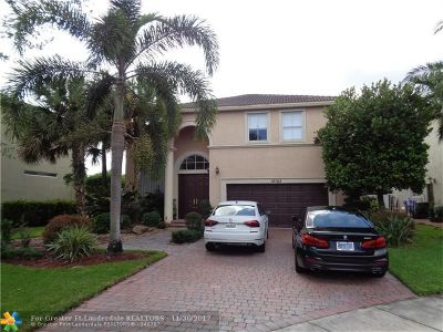Pembroke Pines Single Family Home For Sale: 16782 SW 12th St
