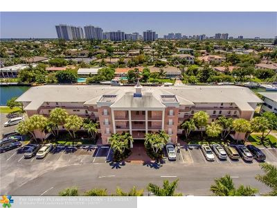 Hallandale Condo/Townhouse For Sale: 455 Paradise Isle Blvd #304