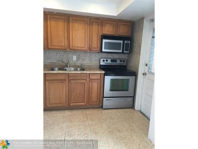 Margate Condo/Townhouse For Sale: 5800 Margate Blvd #623
