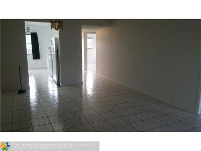 Pembroke Pines Condo/Townhouse For Sale: 1251 SW 125th Ave #T-301