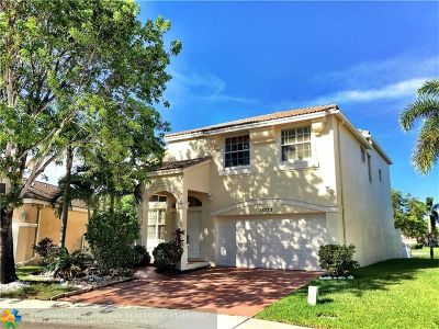 Pembroke Pines Single Family Home For Sale: 15773 NW 3rd St