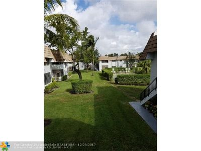 Coral Springs Condo/Townhouse For Sale: 8406 W Sample Rd #225