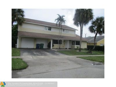 Lauderhill Single Family Home For Sale: 7233 NW 49th Ct