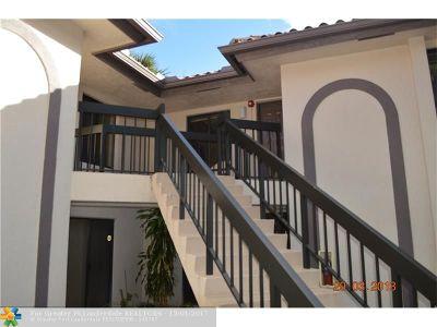 Boca Raton Condo/Townhouse For Sale: 350 Club Cir #2070