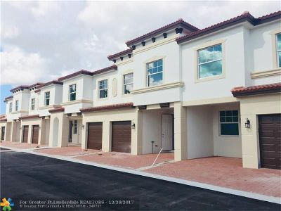 Delray Beach Condo/Townhouse For Sale: 14428 Emerald Place Way #8