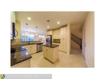 Delray Beach Condo/Townhouse For Sale: 4711 N Prive Cir #---
