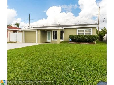 Oakland Park Single Family Home For Sale: 421 NW 49th St