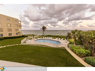 Highland Beach Condo/Townhouse For Sale: 2701 S Ocean Blvd #28