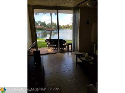 Plantation Condo/Townhouse For Sale: 10717 Cleary Blvd #112