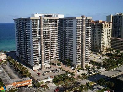 Hallandale Condo/Townhouse For Sale: 2030 S Ocean Dr #1725