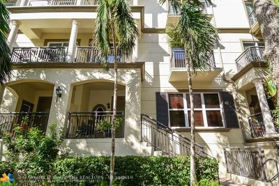 Wilton Manors Condo/Townhouse For Sale: 2617 NE 14th Ave #117