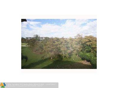 Lauderhill Condo/Townhouse For Sale: 4172 Inverrary Dr #502