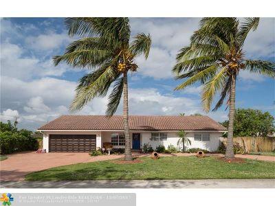 Boca Raton Single Family Home For Sale: 201 NE 30 St