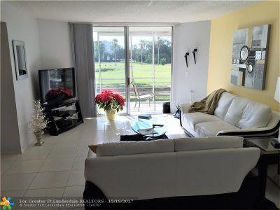 Lake Worth Condo/Townhouse For Sale: 3465 Via Poinciana #203