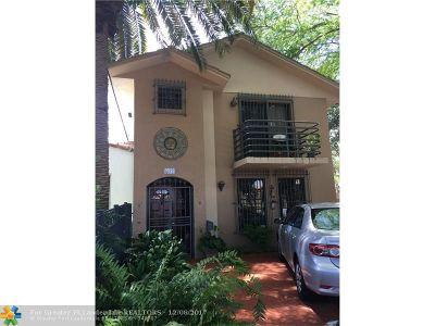 Miami Condo/Townhouse For Sale: 632 SW 19th Rd #632